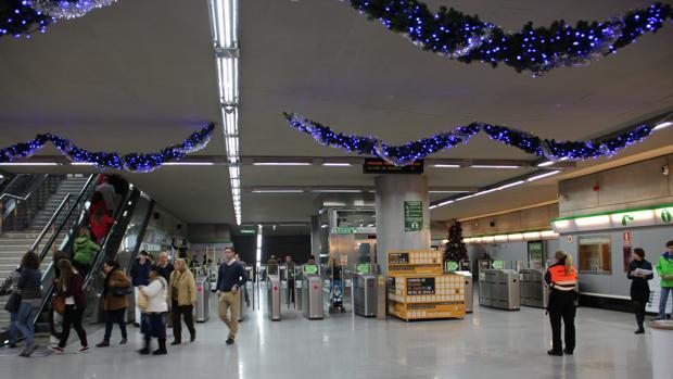 Metro de Sevilla durante las navidades