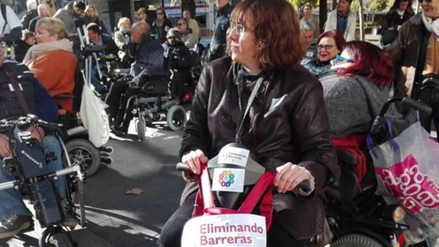 Una de las integrantes de la asociación Eliminando Barreras de Sevilla