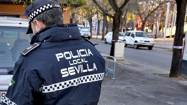 Imagen de archivo de un agente de la Policía Local de Sevilla