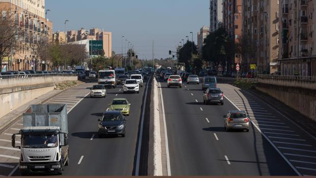 Tráfico denso en la ronda urbana norte