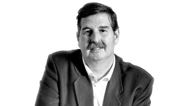 Féix Machuca, escritor y colaborador de ABC de Sevilla