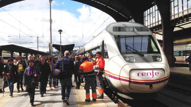 Los pasajeros han sido trasbordados a otro tren en Malagón (Ciudad Real)