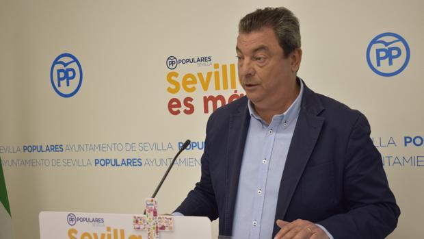 Ignacio Flores, concejal del PP en el Ayuntamiento de Sevilla