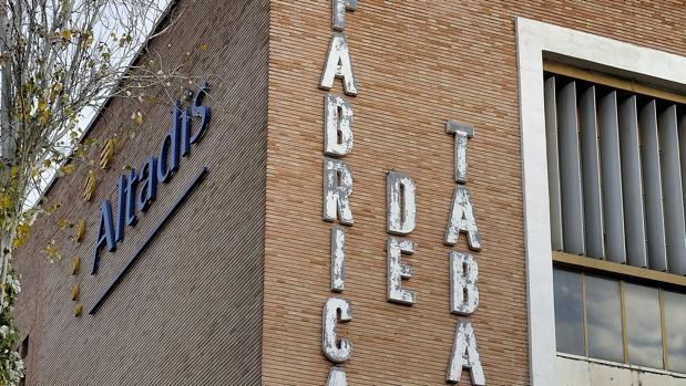 Fábrica de tabacos en los Remedios abandonada por Altadis