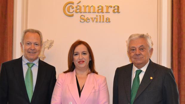 José Pozo Barahona, María Nieves Masegosa Martos y Francisco Herrero, presidente de la Cámara de Comercio