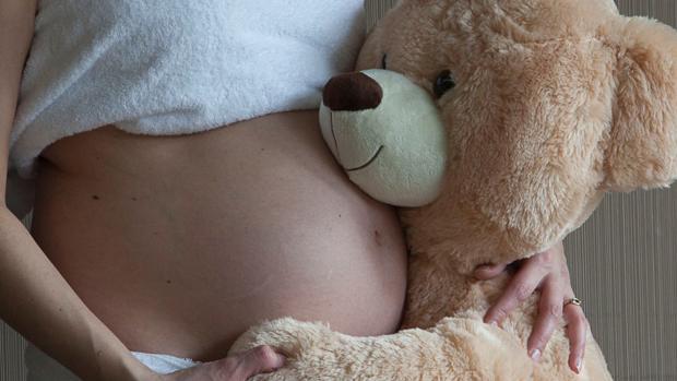 Más allá de los 40 años las posibilidades de ser madre con óvulos propios descienden