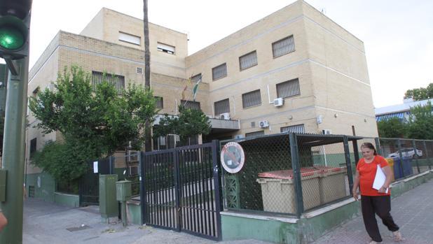Centro de salud de san Jerónimo situado en la calle Medina y Galnares