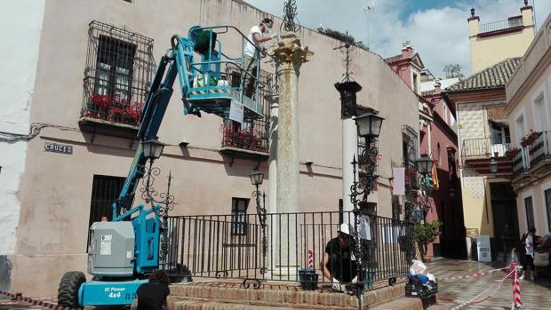 Obras de restauración en la plaza de las Cruces