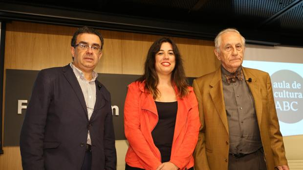 Francisco Robles, Victoria Ash e Inocencio Arias, este miércoles en el Aula de Cultura ABC