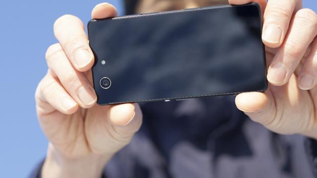 Los teléfonos móviles, «cámaras indiscretas» al alcance de todos