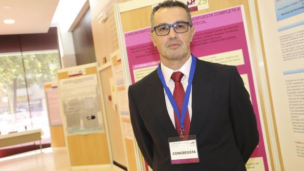 Manuel Ruiz Borrego es un experto en cáncer de mama