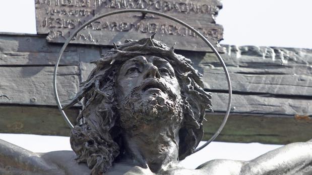 El Cristo de las Mieles, en el cementerio de San Fernando
