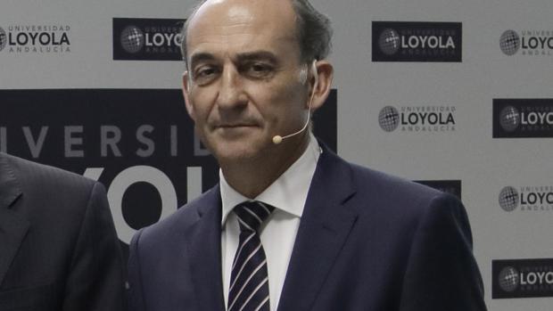 Gabriel Pérez Alcalá, rector de la Loyola