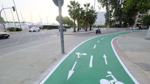 Carril bici en la avenida Juan Pablo II