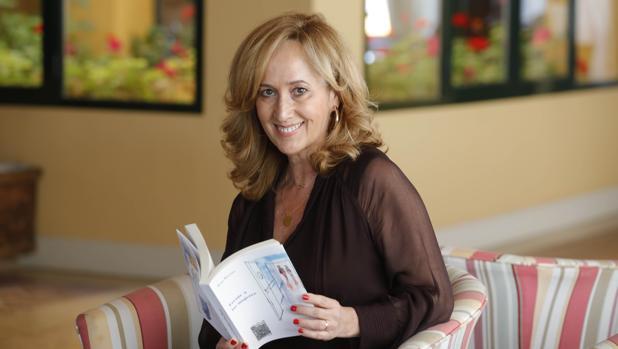 Rosa Moreno con su libro «Frente a las mujeres»