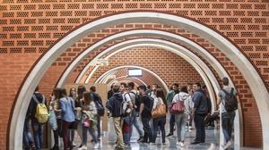 La Universidad tumba tópicos: prima al investigador y no sobran alumnos