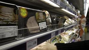 Los fraudes de las etiquetas: croquetas con la mitad de la carne indicada y pollo en vez de ternera
