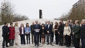 Alonso reivindica el «espíritu original» del Día de la Memoria
