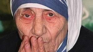 Los dos milagros que elevarán a los altares a Teresa de Calcuta
