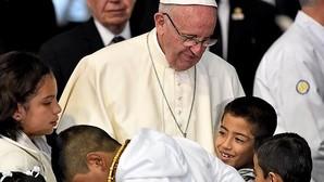 El Papa propone la «cariñoterapia» en un hospital pediátrico modelo