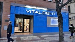 La cúpula de Vitaldent recibía cada año 17 millones en «B» de sus clínicas