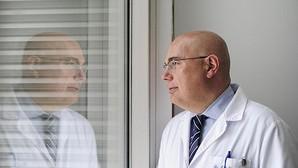 Josep Tabernero: «En diez años el sistema sanitario público no podrá financiarlo todo»