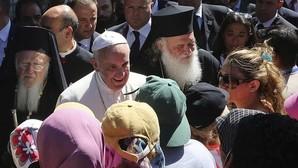 El Papa Francisco, sobre su visita a los refugiados en Lesbos: «¡He visto tanto dolor!»