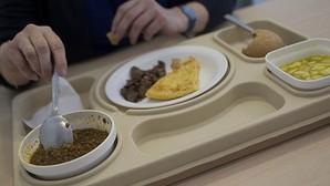 Las jóvenes que estudian en escuelas con más cuota femenina y con padres licenciados, más propensas a trastornos alimentarios