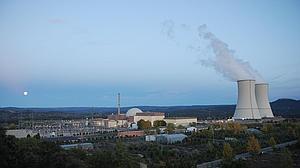 La energía nuclear repite como principal fuente de producción eléctrica en España en 2015