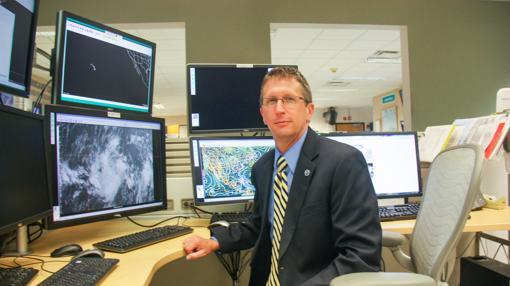 El director del Centro Nacional de Huracanes de EE.UU., Rick Knabb