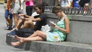 Llegan a España más extranjeros de los que se marchan, por primera vez desde 2010