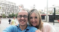 Diego y Macarena, su esposa, haciéndose un selfie. Son una pareja feliz: «Es fundamental no sentirse solo», opina el funcionario del Ministerio de Agricultura