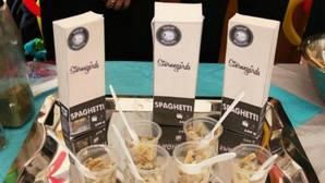 Un grupo de estudiantes crea chocolate y un tipo de pasta con insectos para luchar contra la obesidad y la desnutrición