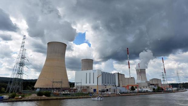 La central en Tihange, en la imagen, junto con la de Doel, amenazan la seguridad nuclear de Renania