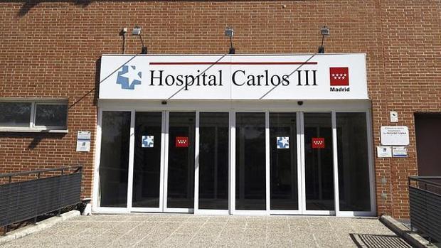 La enfermera se encuentra ingresada en el Hospital Carlos III de Madrid