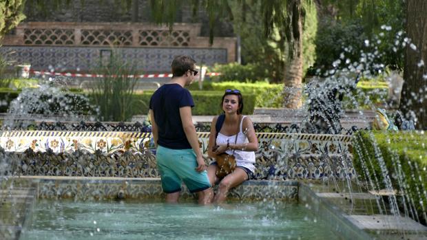 Calor por la zona de parque de María Luisa y plaza de España