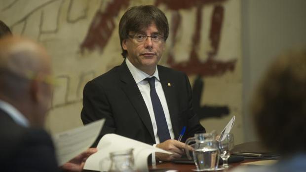 El presidente de la Generalitat, Carles Puigdemont, ha anunciado que «de ninguna manera» aceptará «la imposición de una reválida estatal»