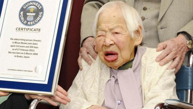 La japonesa Misao Okawa recibió en 2013 el récord Guinness a la mujer más longeva, con 114 años