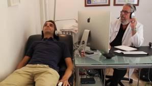 Así es una sesión real de hipnosis: nos sometemos a la terapia