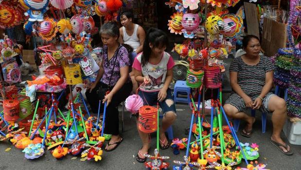 Imagen de un mercadillo tradicional en Hanoi