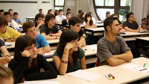 ¿Cuáles son las carreras universitarias con las que más se liga?
