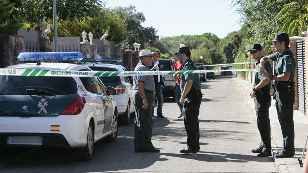 El hallazgo de los restos humanos se ha producido tras recibir un aviso de un vecino alertando del mal olor