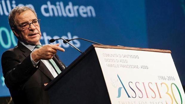 César Alierta, presidente de la Fundación Telefónica, en el encuentro interreligioso en Asís