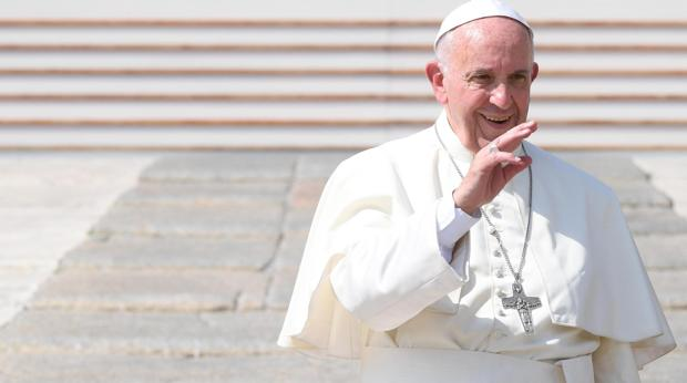 Francisco preside una plegaria por la paz en Asís con los líderes de las religiones mundiales