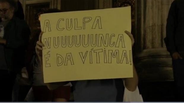 Activistas brasileñas participan en una manifestación contra la violación de una adolescente por más de 30 hombres