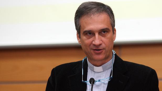 Dario Edoardo Viganò, un sacerdote milanés y director de la Secretaría de Comunicación