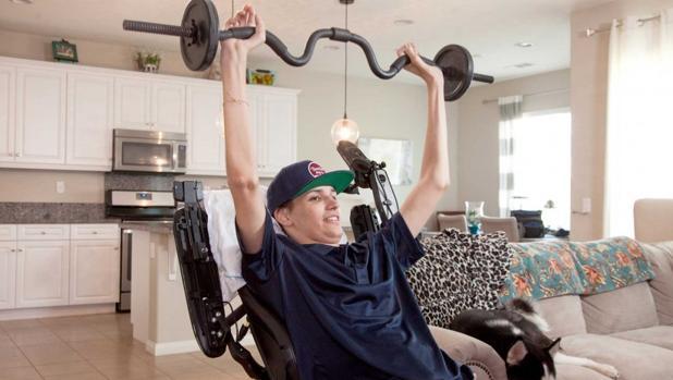 Kristopher (Kris) Boesen en su casa en Bakersfield