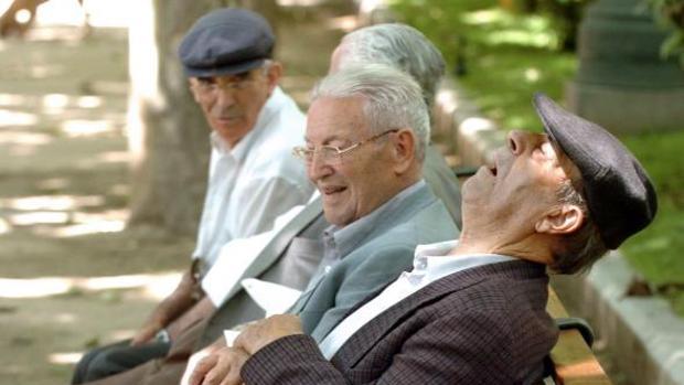 Italia, Grecia y España, los países de la UE con más población mayor de 80 años