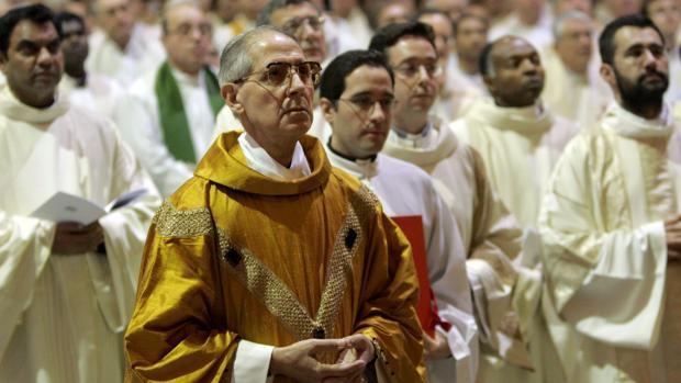Foto de archivo de enero de 2008 del Padre Adolfo Nicolás, que presentó su renuncia como superior general de la Congregación por motivos de salud, a sus 80 años de edad