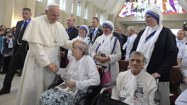 El Papa, en una iglesia en Bakú, Azerbaiyán